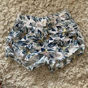 Roxy girl floral lightweight cotton shorts size 6